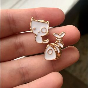 """Jewelry - 2 for $18❤️ """"Cat n Snack"""" Pin set of 2"""